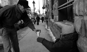12 Random Acts Of Kindness That You Must Practice