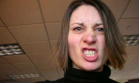 6 Tips to Deal With an Aggressive Coworker